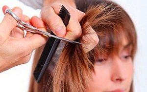 cabelos danificados - cortar as pontas do cabelo a cada 3 meses