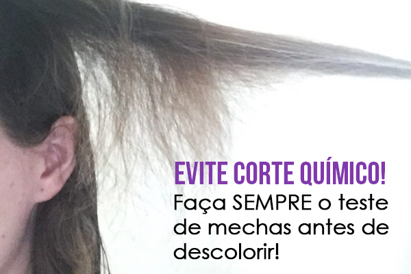 faça o teste de mechas para evitar corte químico ao descolorir os cabelos